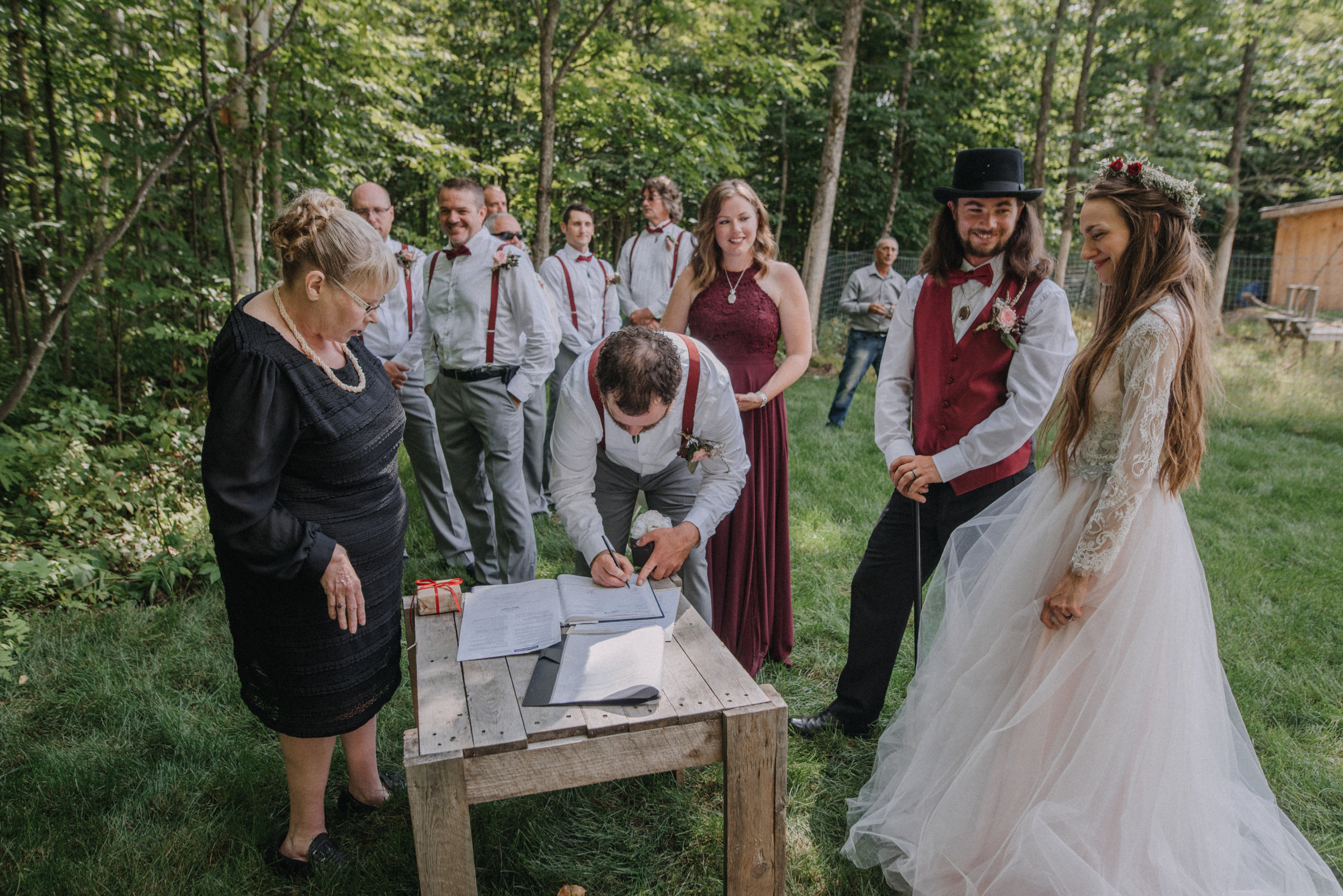 ottawa_wedding_photographer_gatineau_photographe_mariage_documentary_candid_photojournalist_natural_raw_boho_wedding_backyard (22).JPG