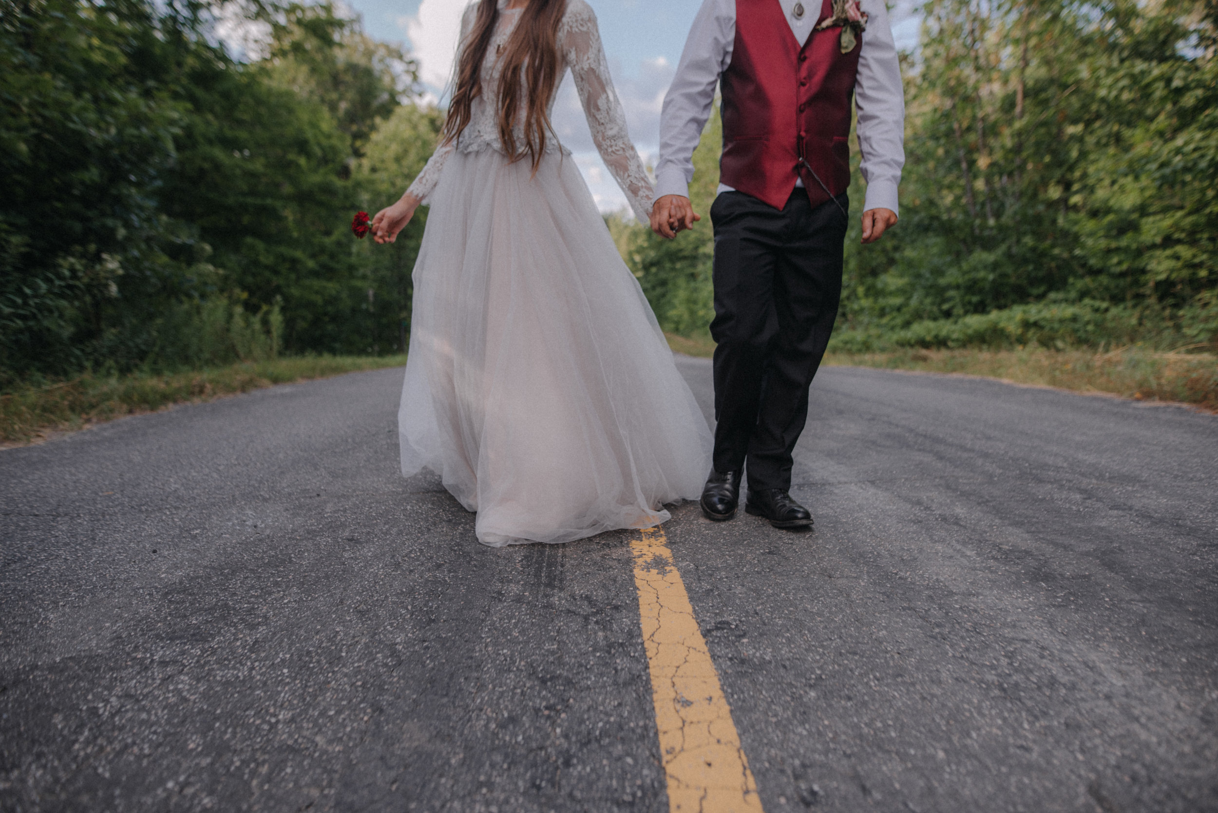 ottawa_wedding_photographer_gatineau_photographe_mariage_documentary_candid_photojournalist_natural_raw_boho_wedding_backyard (41).JPG