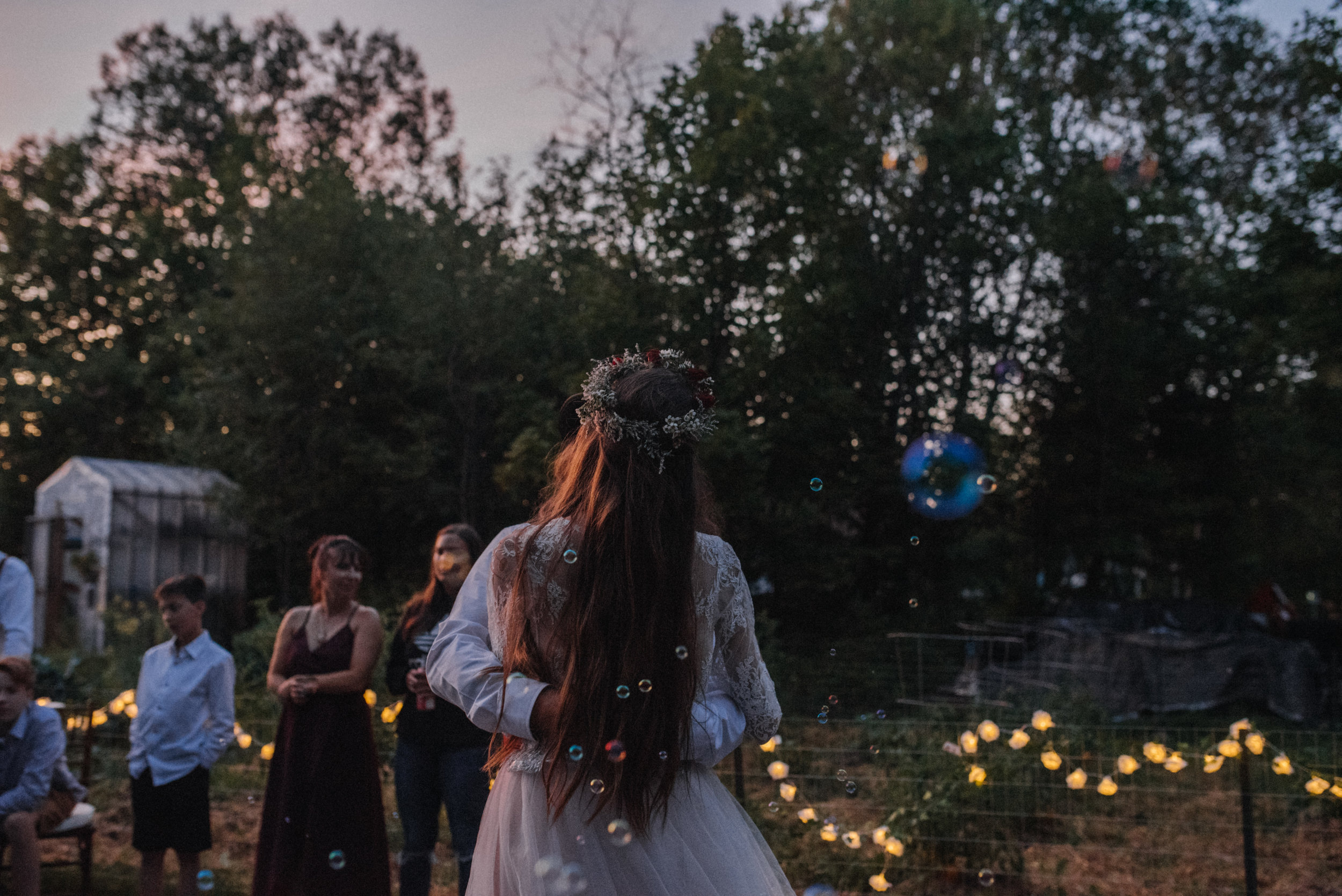 ottawa_wedding_photographer_gatineau_photographe_mariage_documentary_candid_photojournalist_natural_raw_boho_wedding_backyard (48).JPG