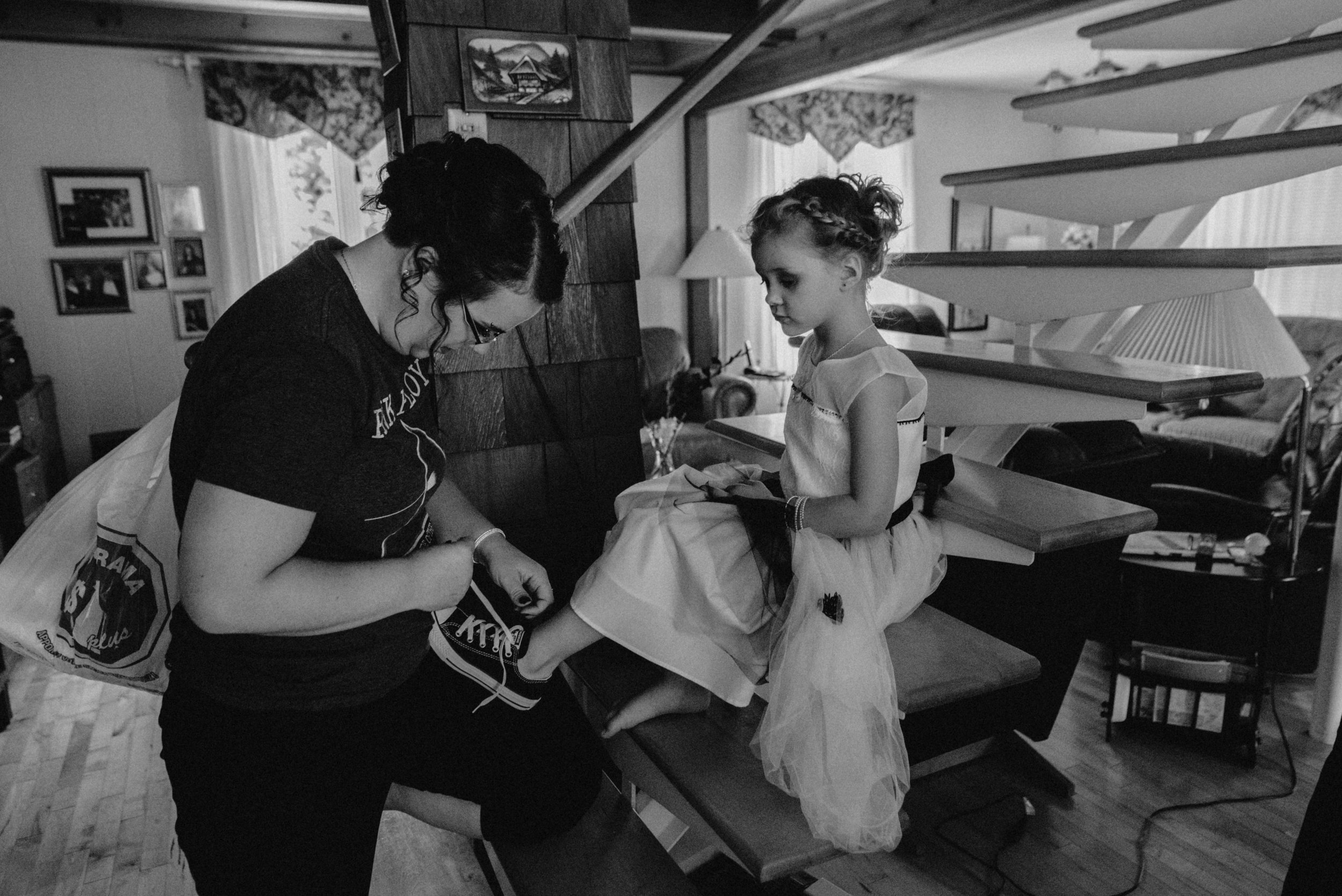 gatineau_photographe_mariage_ottawa_wedding_photographer_photography_candid_natural_moody_documentary_lifestyle (7).JPG