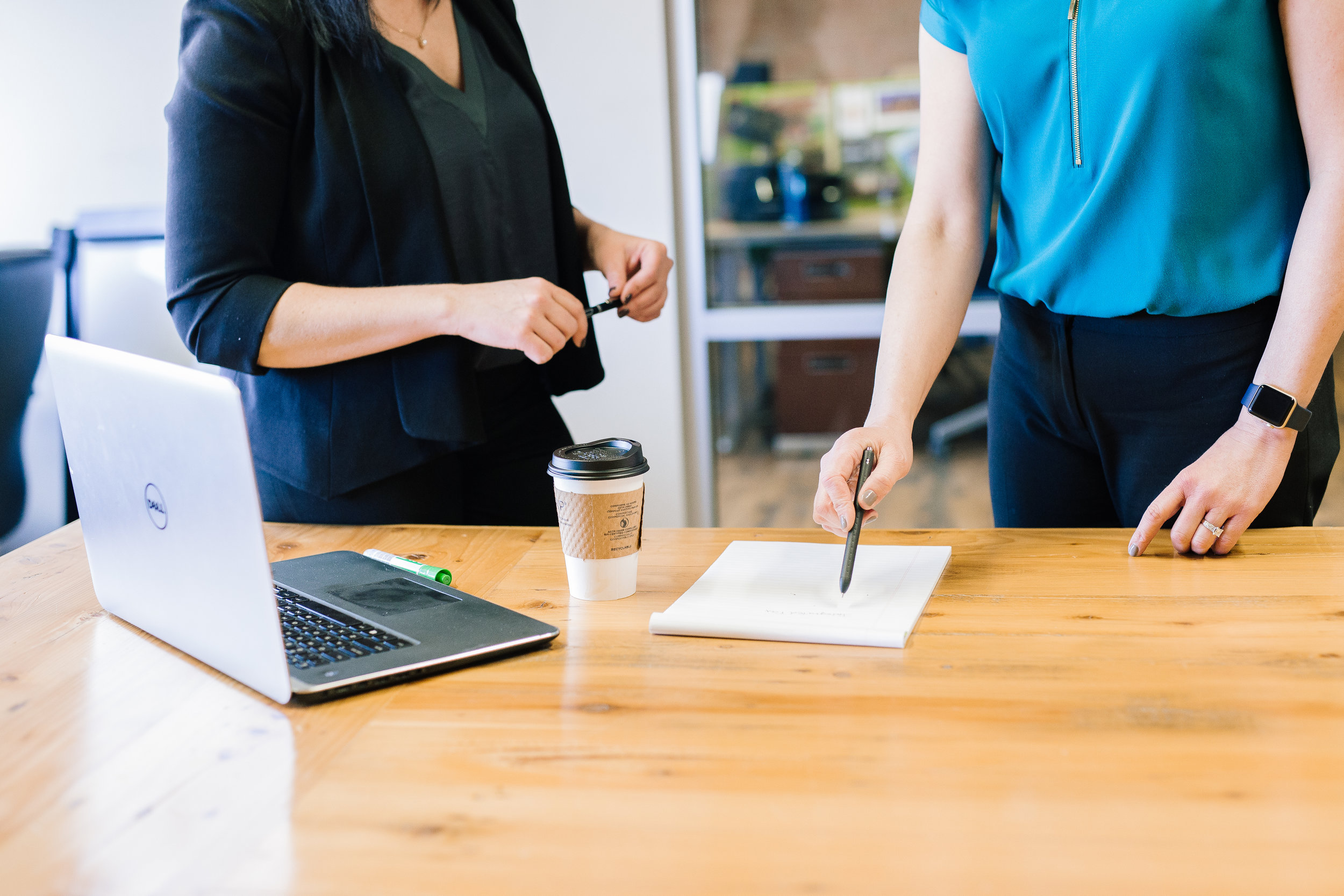 Le gustaría… - - ¿Identificar una oportunidad de negocio?- ¿Mejorar su oferta de productos o servicios?- ¿Hacer crecer su negocio?