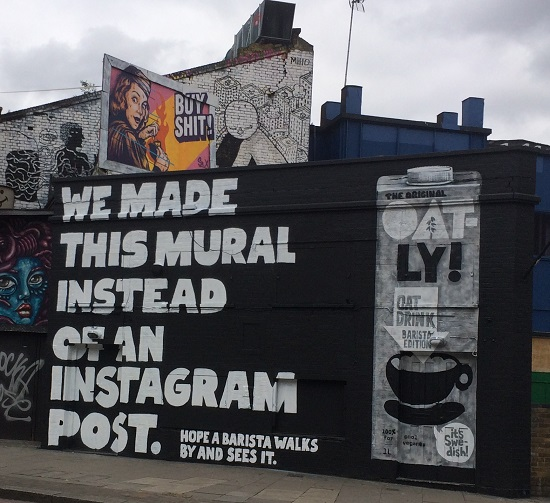 oatly-billboardx550.jpg