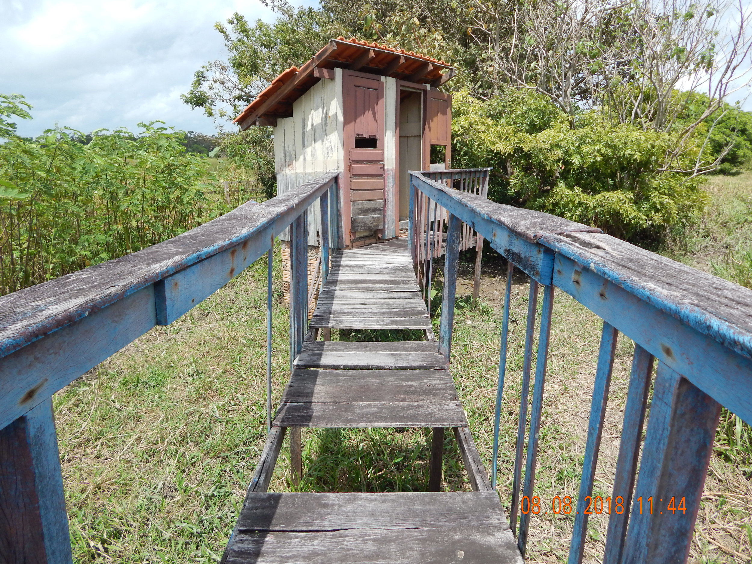 Banheiros precários nas escolas de Ituqui