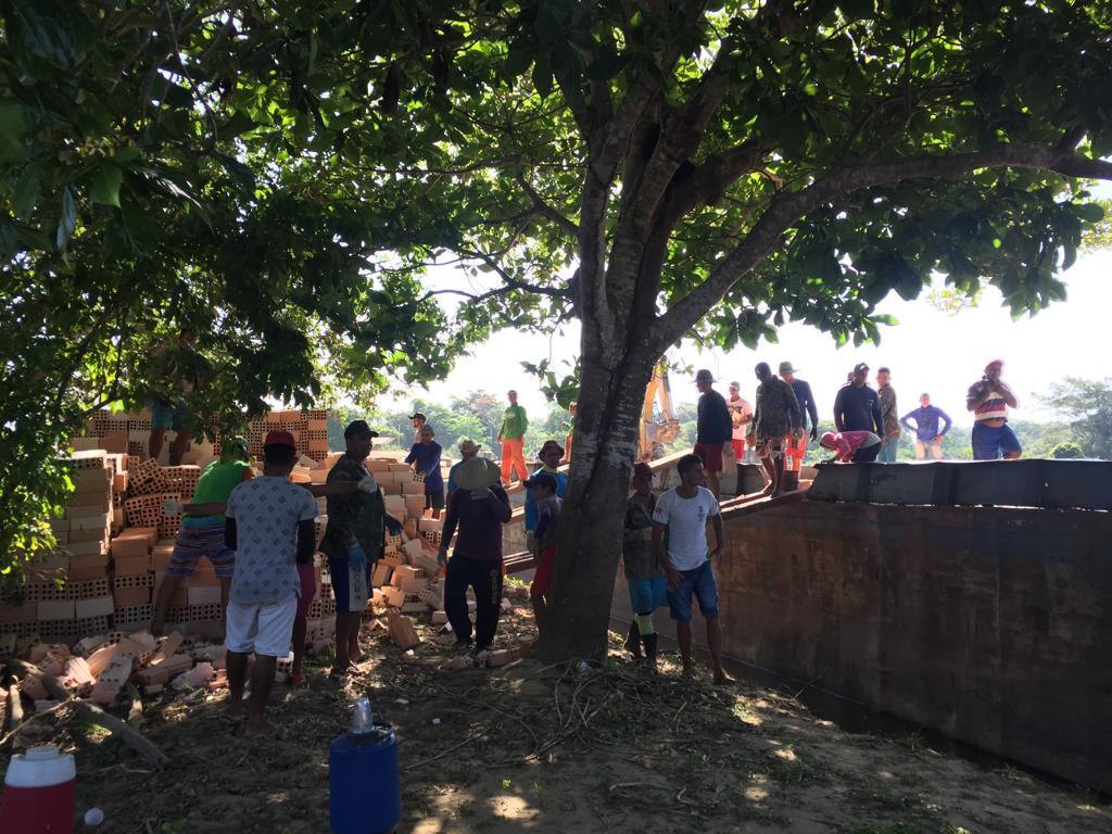 Mobilização dos moradores em Tapará Miri. Foto: Poliane Batista/Sapopema.
