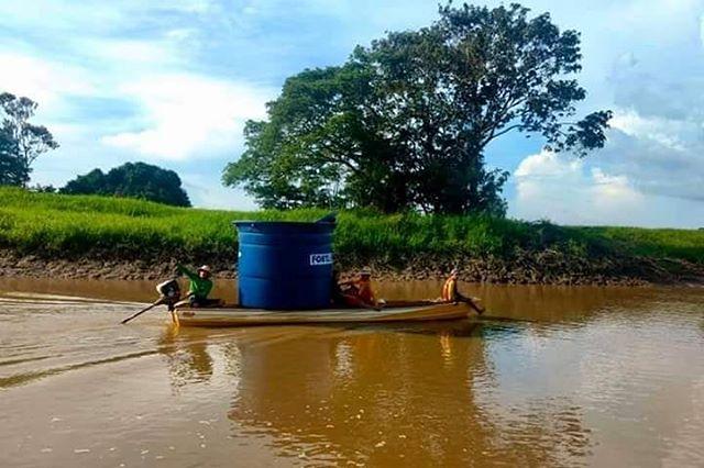 Não importa as dificuldades! Tecnologias de acesso à água vão chegar à várzea! 💚 • #Cisterna #agua #qualidadedevida #psa #parceria @saudeealegria