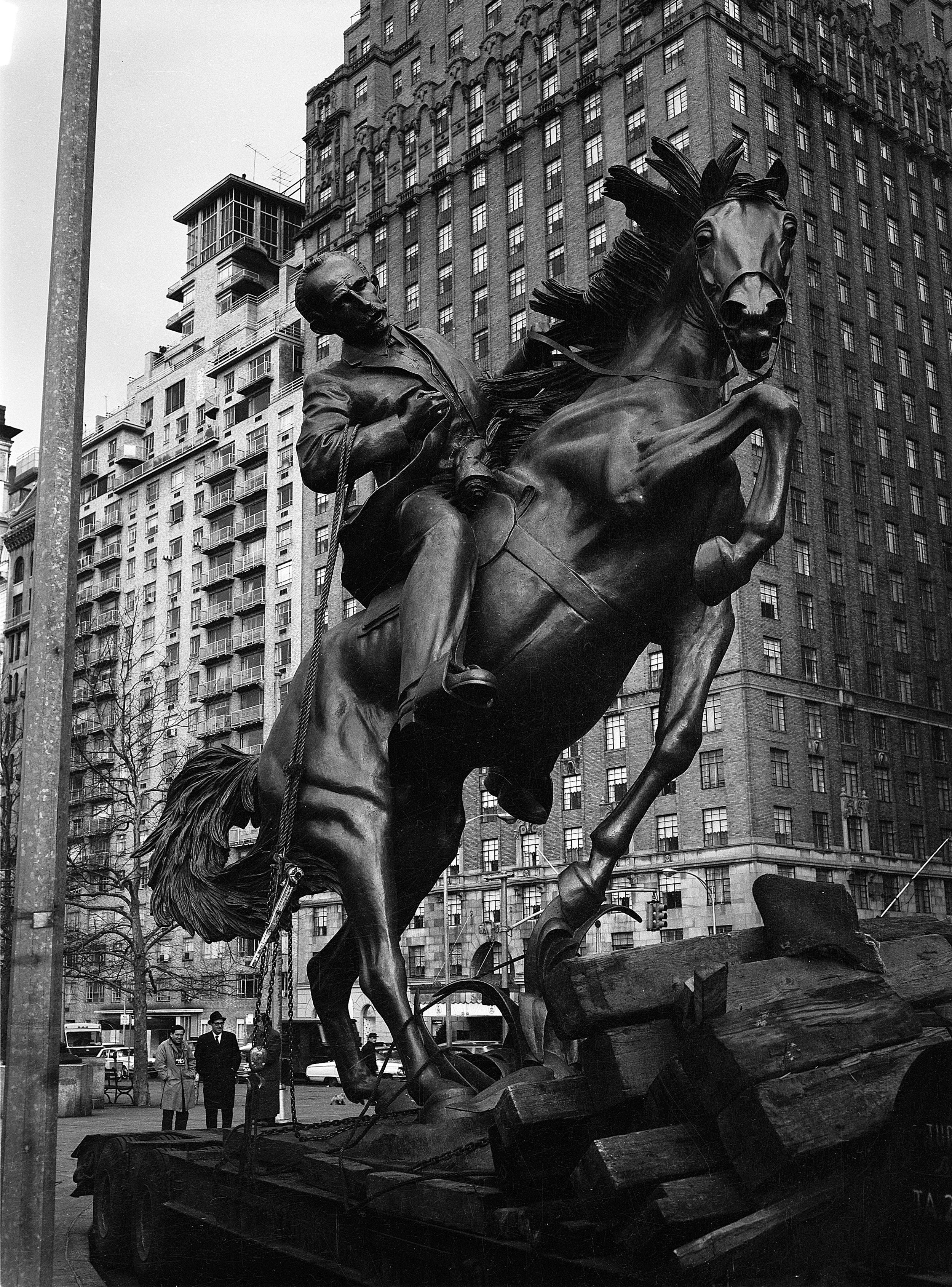 Installation of the Statue of José Martí in Central Park   1965