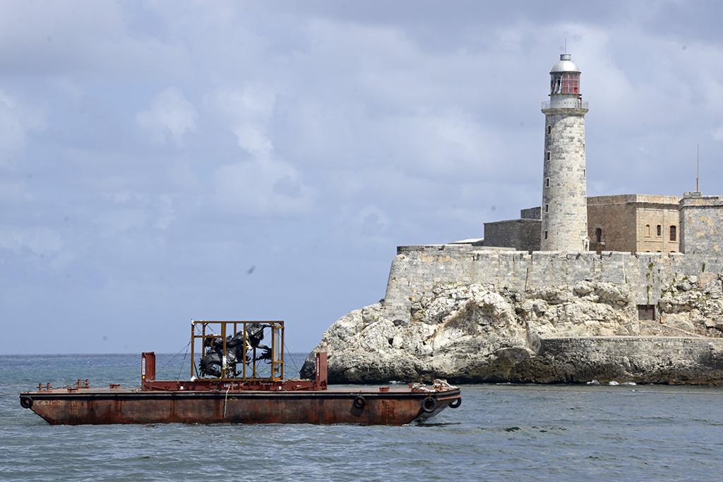 Barge at Morrow.jpg