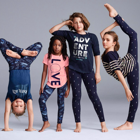 Gap Advertisement (2016) - Link to Image: http://i65.tinypic.com/xglcag.png