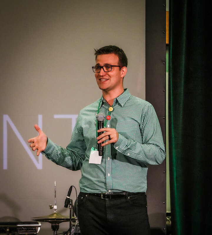 Spencer Patton speaks to a packed Expo crowd.jpg