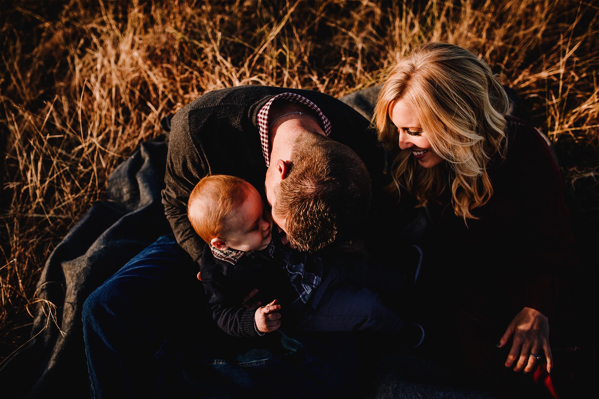 AlyssaAskew-PhotographyByAlyssaAskew-Embrace(2).jpg