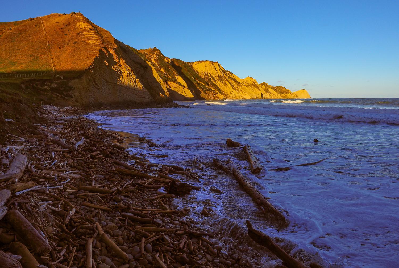 Sponge Bay, Gisborne, NZ. 1/400sec, f/9, ISO 200