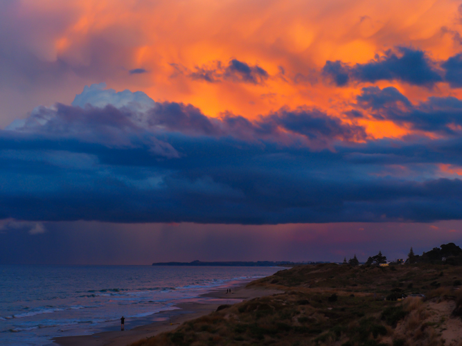 Thunderstorm over the Bay of Plenty coast illuminated by the last light of the day. 1/125sec f/4.5 ISO 200