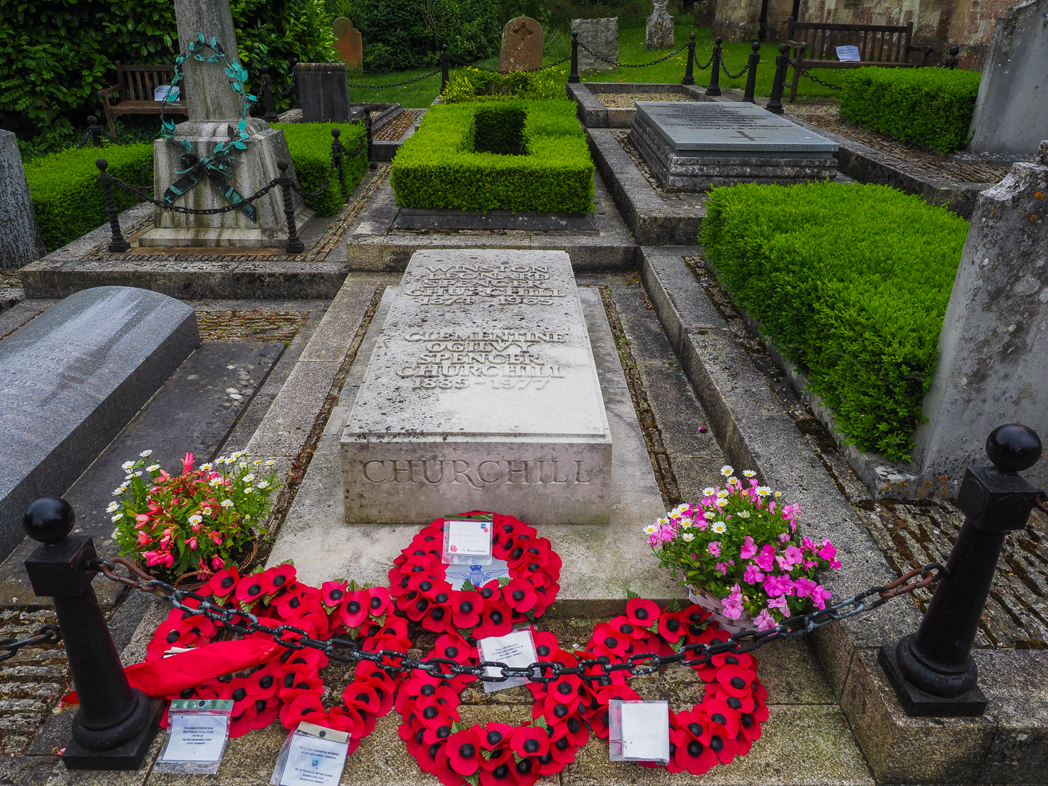 """Last resting place of Sir Winston Churchill (1876-1964)""""We shall defend our island, whatever the cost may be, we shall fight on the beaches, we shall fight on the landing grounds, we shall fight in the fields and in the streets, we shall fight in the hills; we shall never surrender."""""""