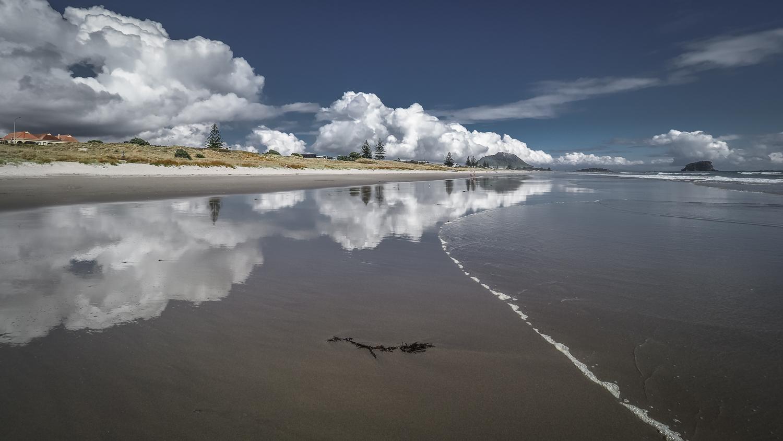 Omanu Beach Reflections. PC022283