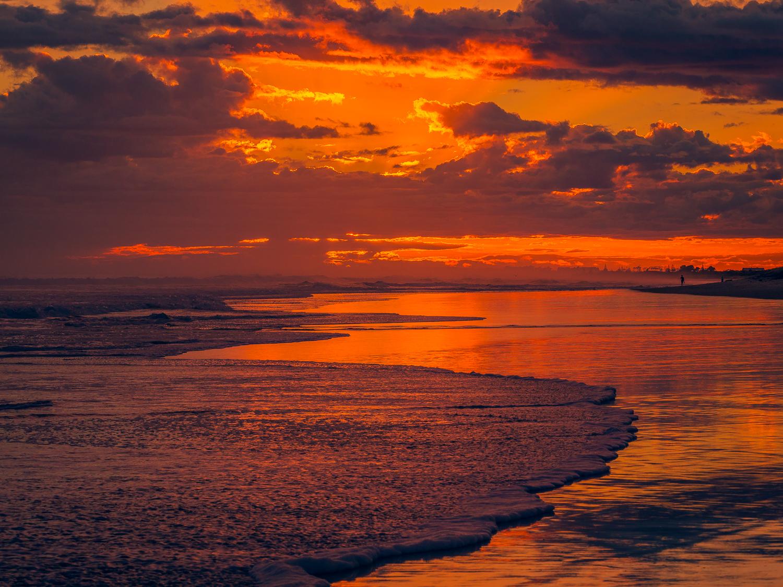 Summer dawn. Papamoa Beach, NZ. P2033991
