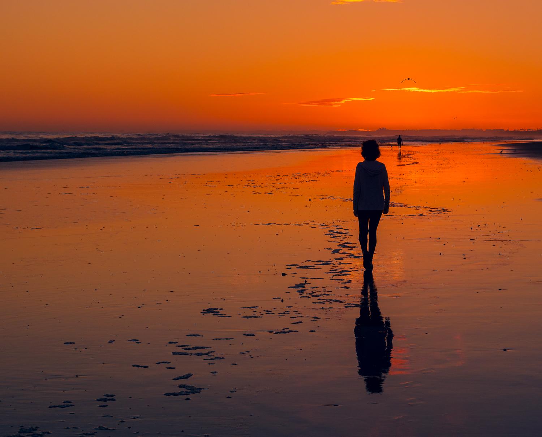 Beach walk, first light. Papamoa Beach. P2044020
