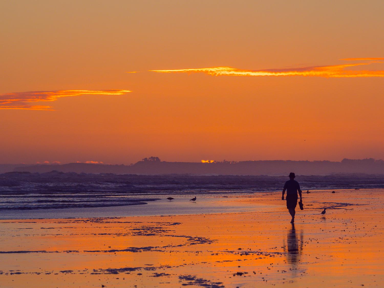 Dawn solitude. Papamoa Beach. P2044017