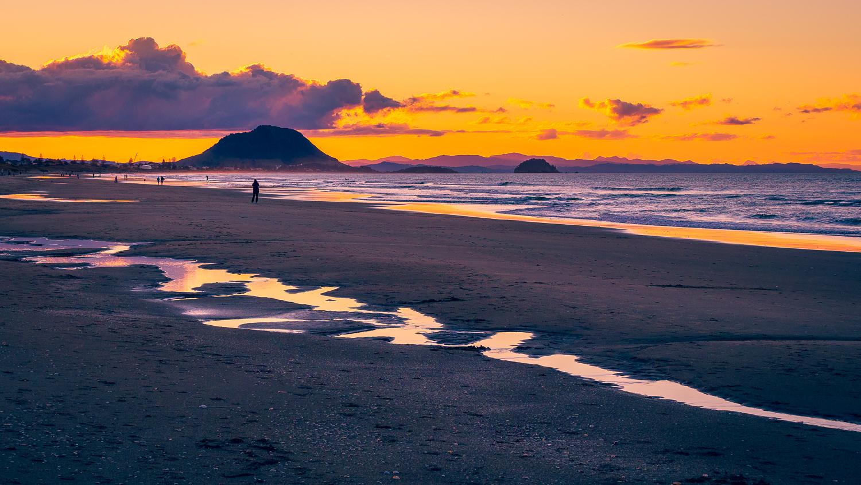 Low tide. Papamoa Beach. P8180053
