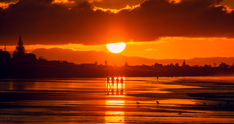 Line up at sundown. Papamoa Beach. 20180520