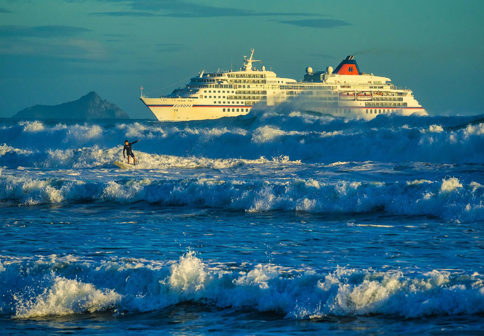 MS Europa, Mount Maunganui Beach, NZ. P2120105