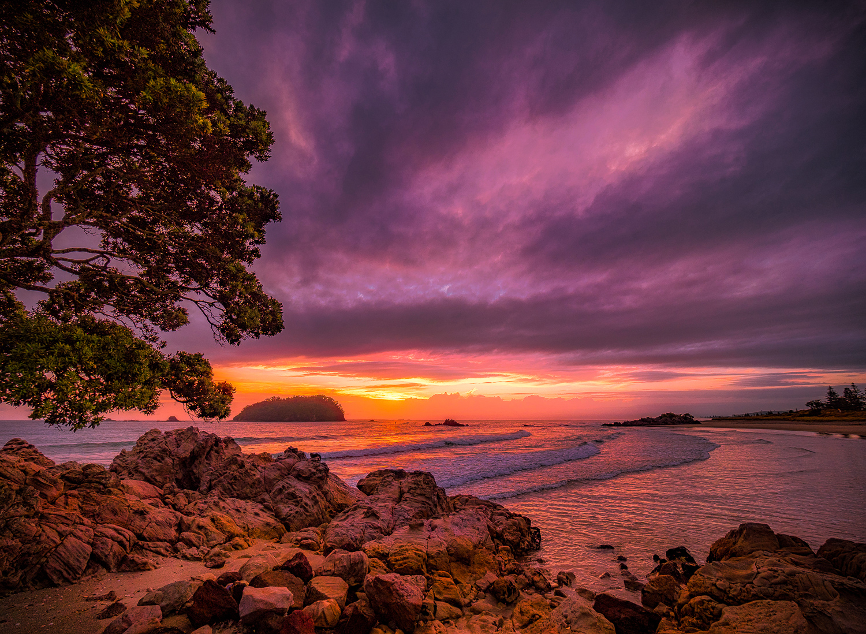 First Light. Mount Maunganui Beach. P3090016
