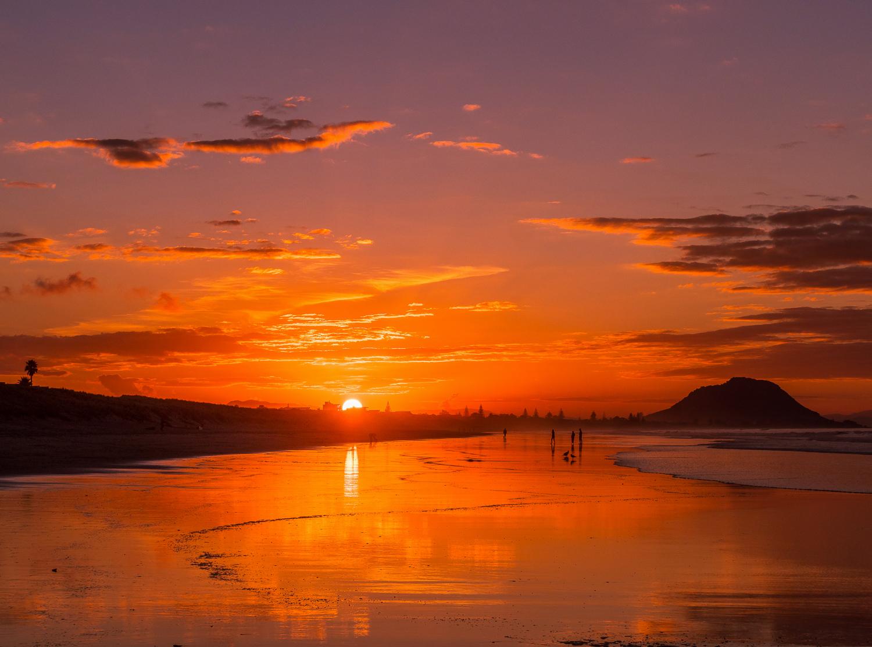Moments from sundown. Papamoa Beach. P5250033