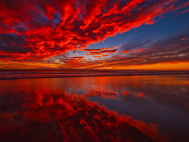 Mid-winter dawn. Papamoa Beach. P6150024