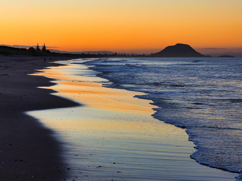Dusk. Papamoa Beach P1030881