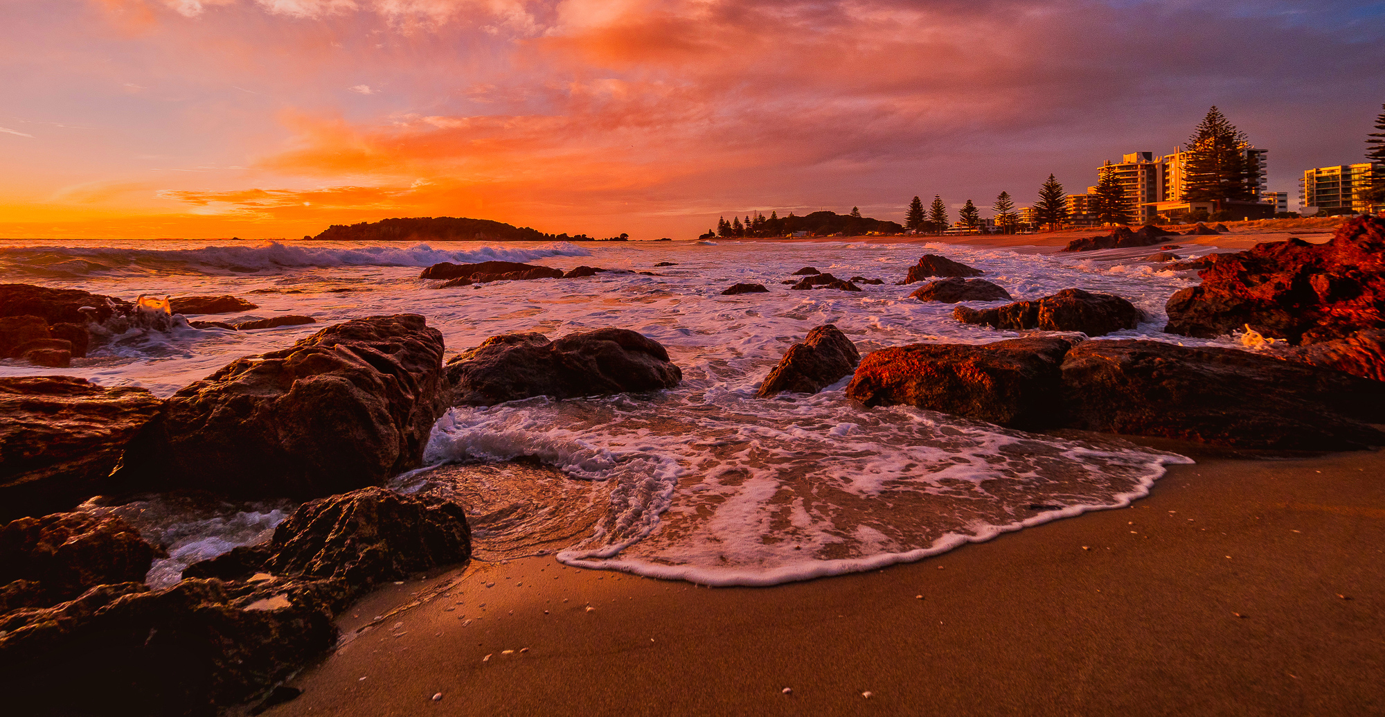 Winter Dawn. Mount Maunganui Beach. P7200124