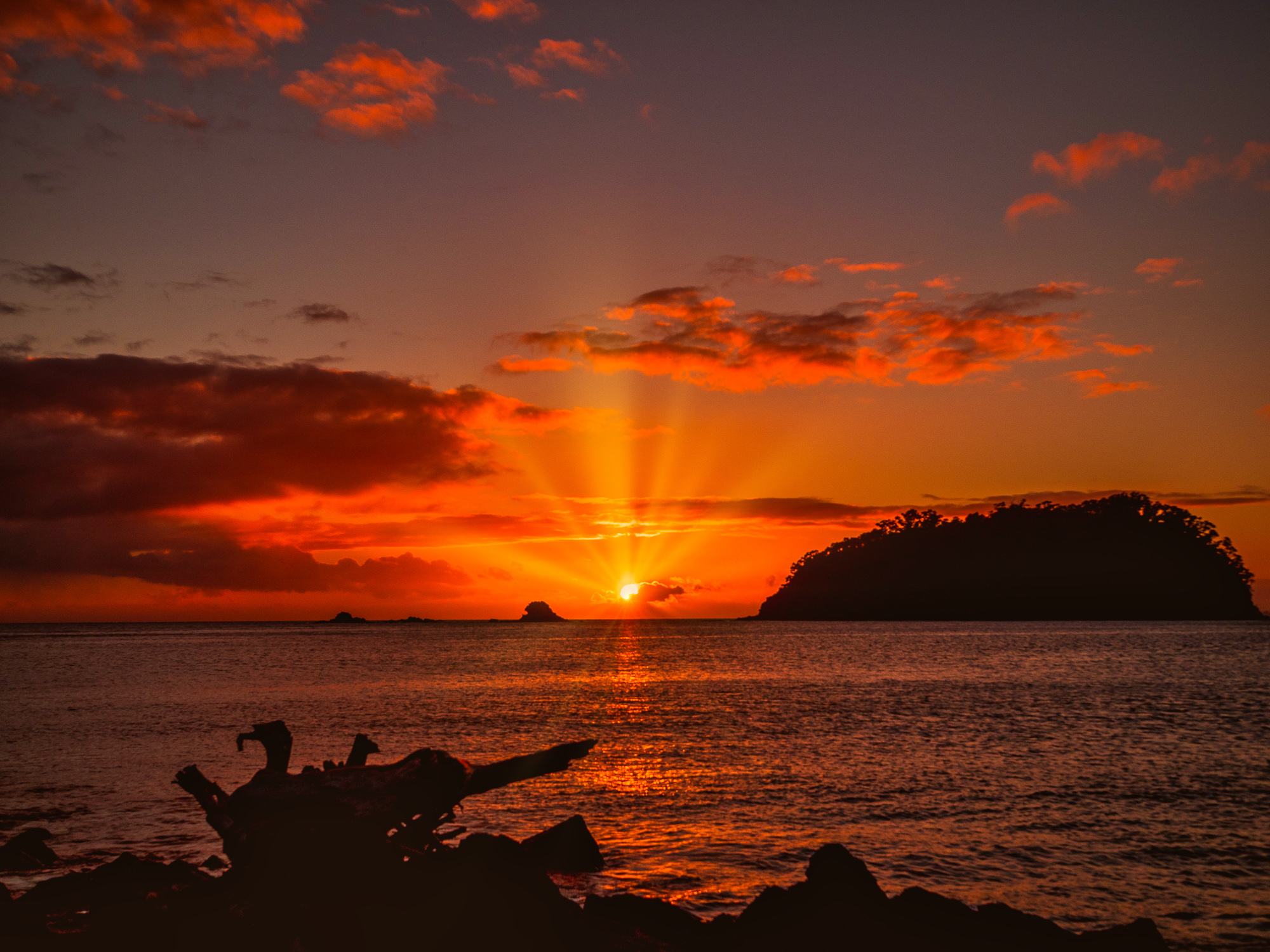 Hot August Dawn. Mount Maunganui. P8020057