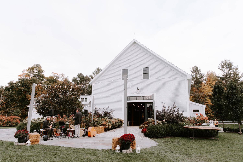 sarahdave_details-64_october_wedding_at_the_barn_at_flanagan_farm_1500.jpg