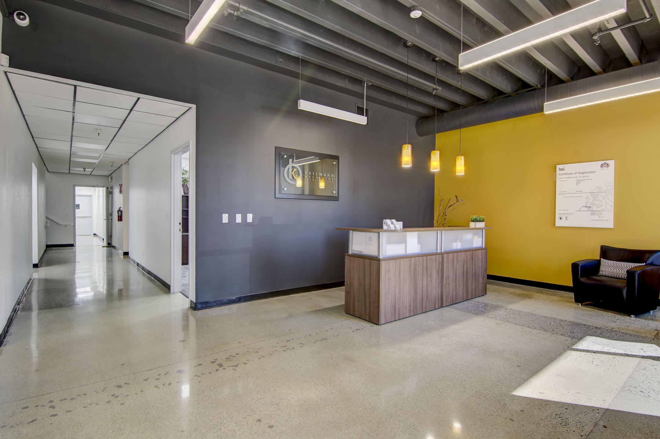 8-lobby.jpg