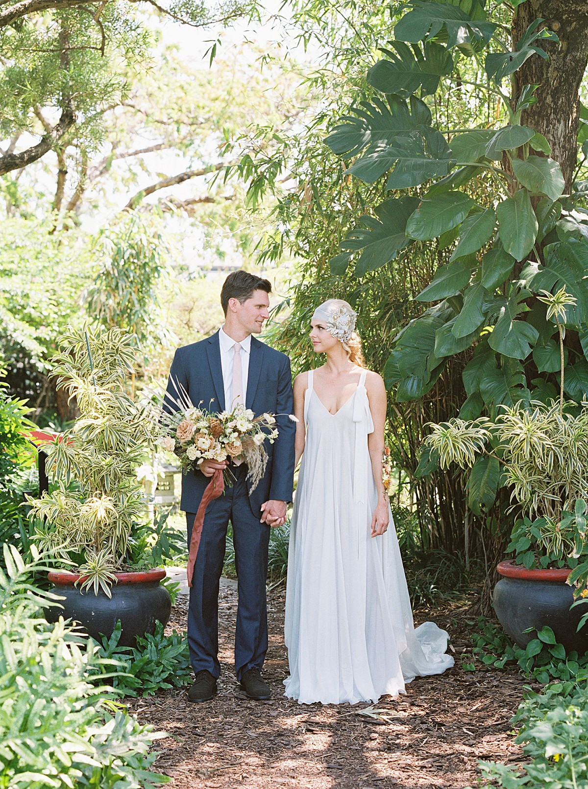 tropical-dried-and-foraged-wedding-inspiration_0526.jpg