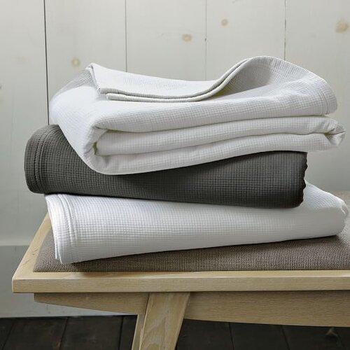 organic-plisse-blanket-c.jpg