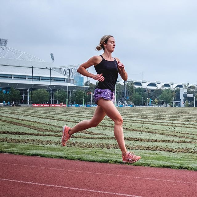 My first Threshold Thursday with @hunter.athletics this morning was awesome! And I even scored some sweet shots 📸 @chookz Thank you 🙏 #hunterathletics #thresholdthursday #running #morningsession #melbournenutritionservices