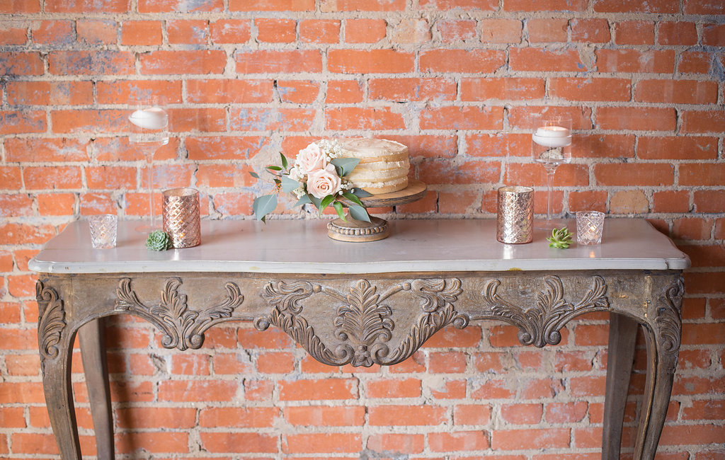 vintage-cake-table