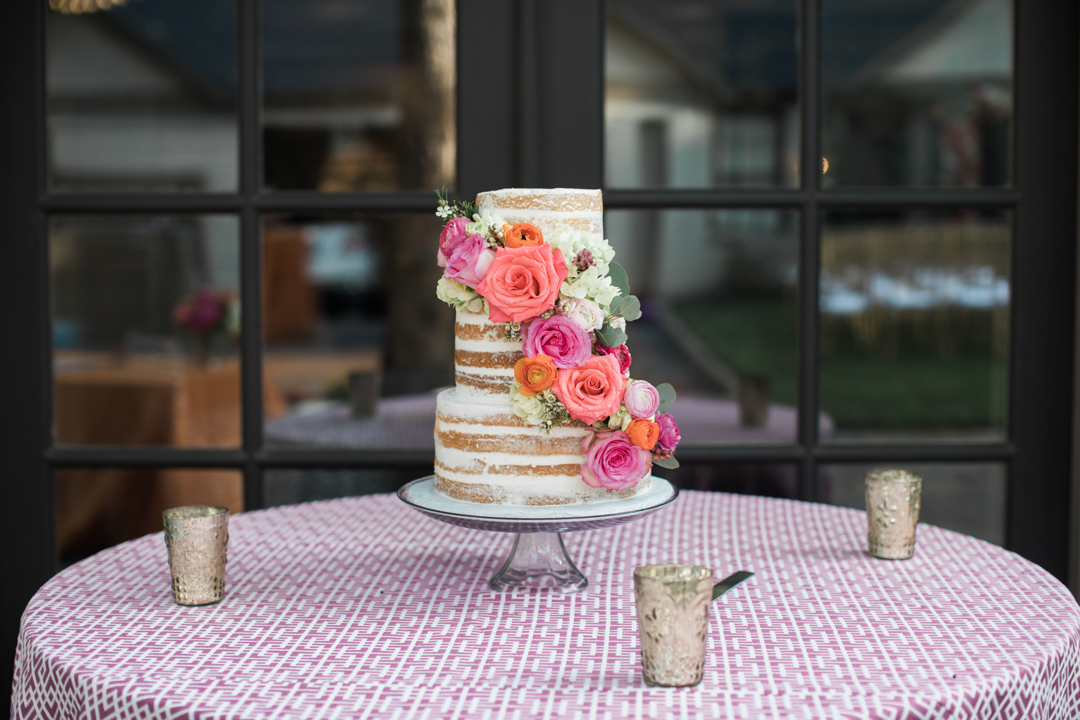 naked-cake-with-fresh-floral