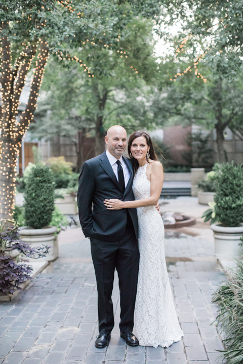 wedding-couple-at-dallas-crescent