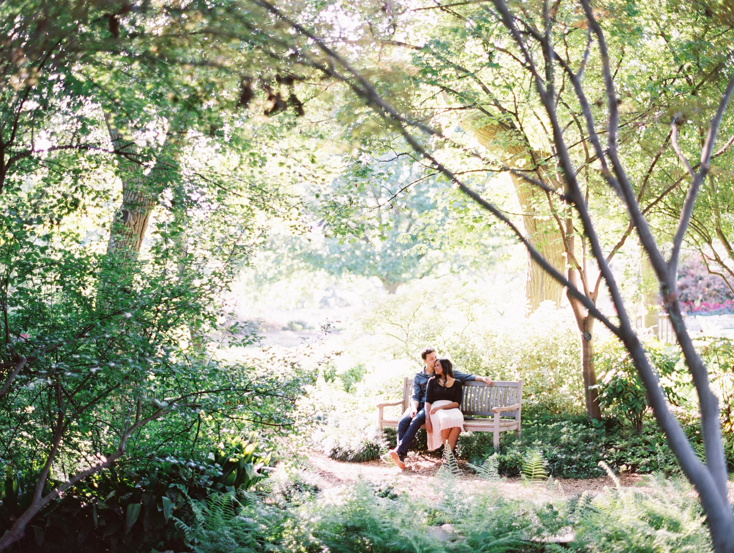 engagement-photos-at-dallas-arboretum
