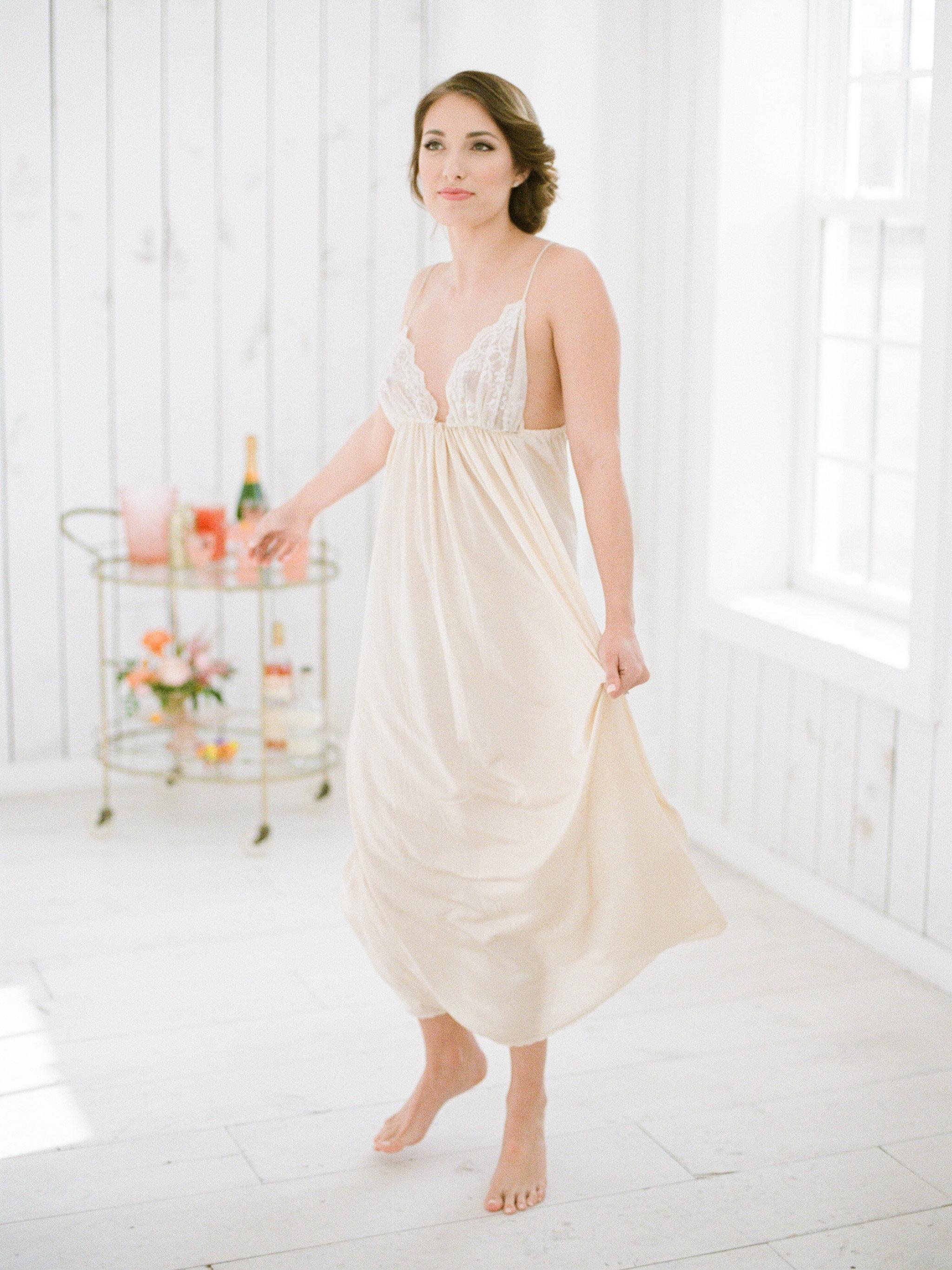 morning-bridal-boudoir-session