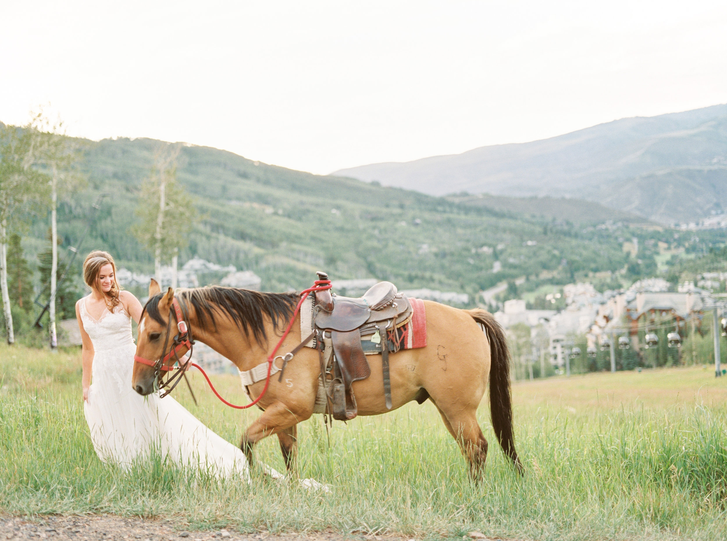 bridal-session-with-horse