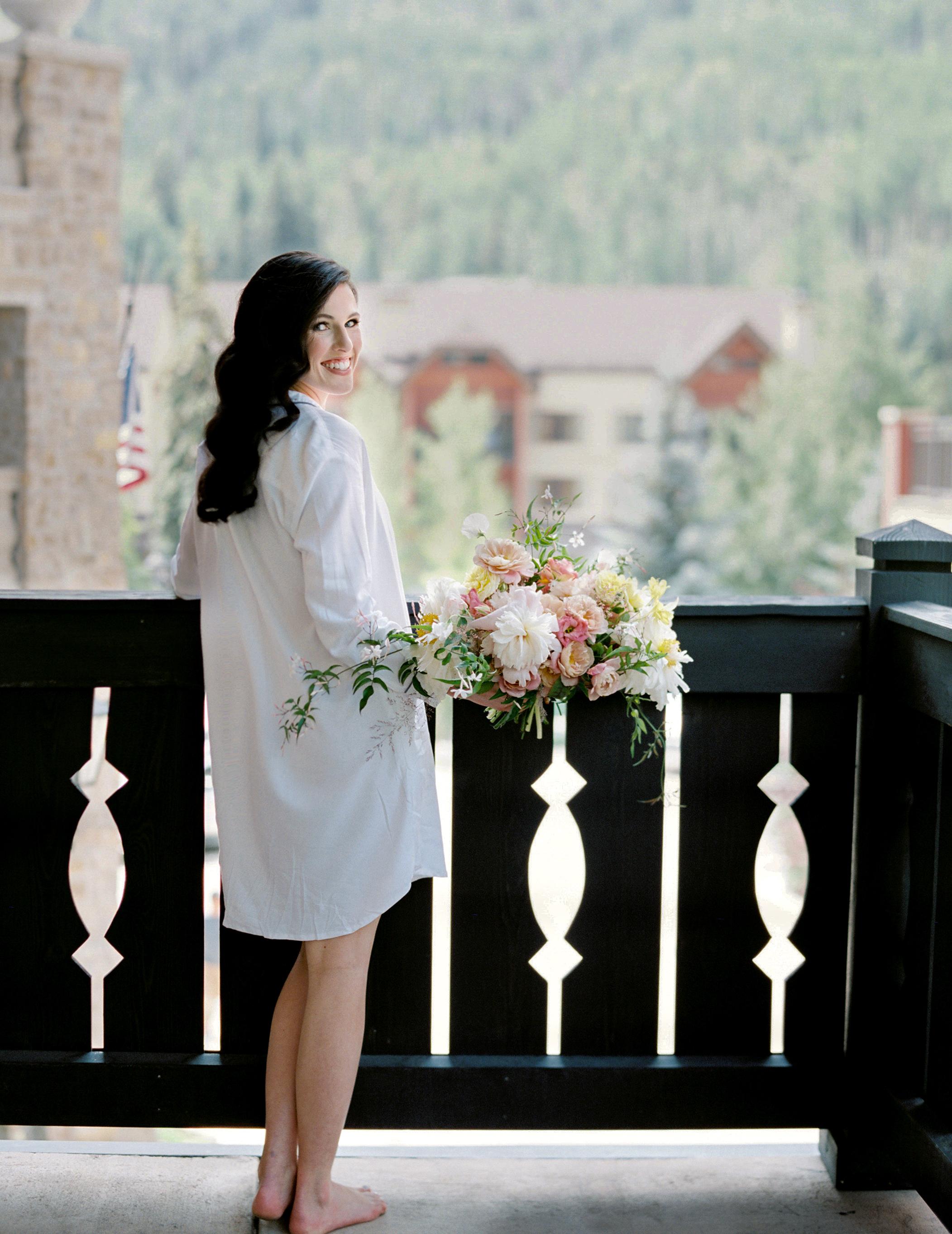 bride-getting-ready-vail-colorado