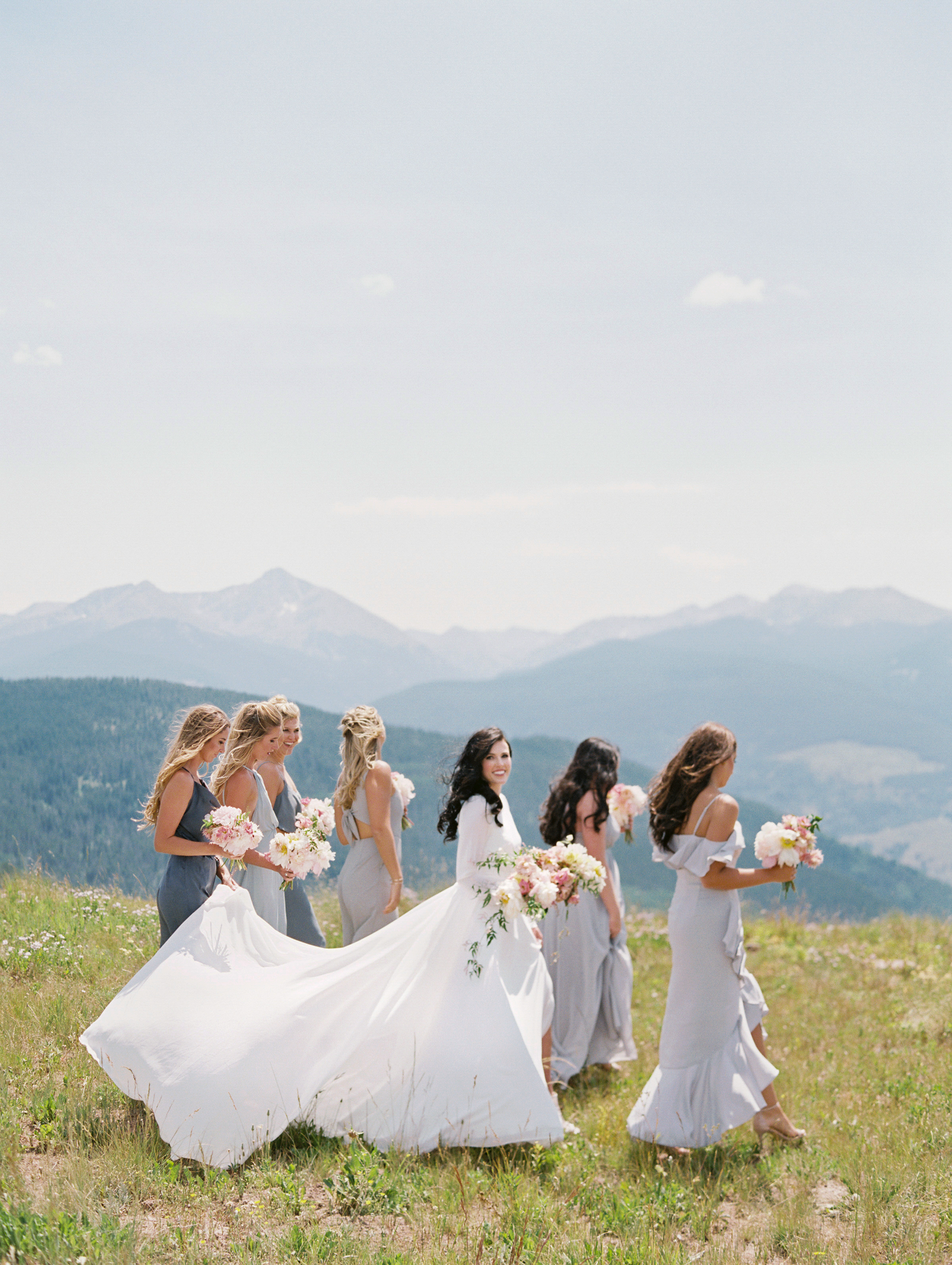 outdoor-bridal-party-before-ceremony