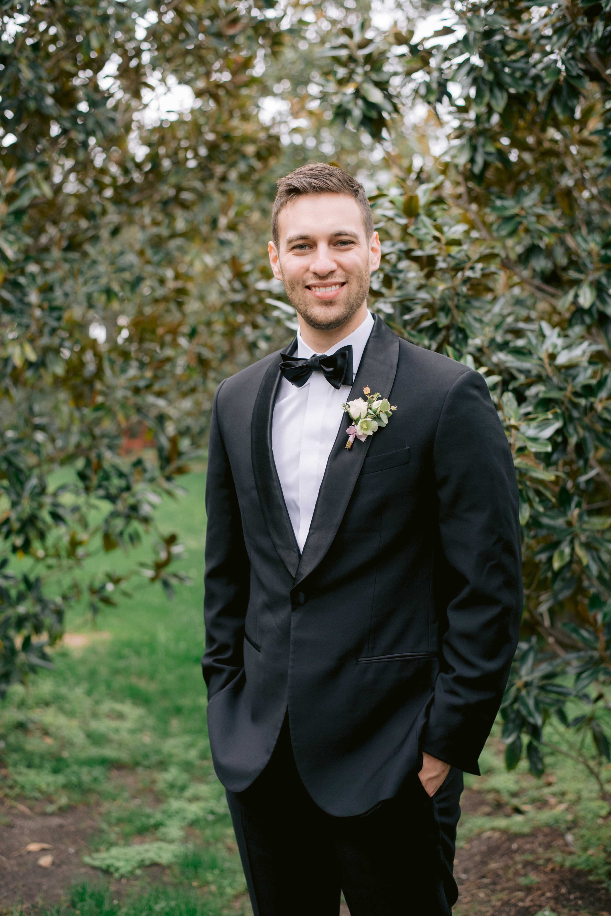 groom-portrait-ivory-and-vine-event-co