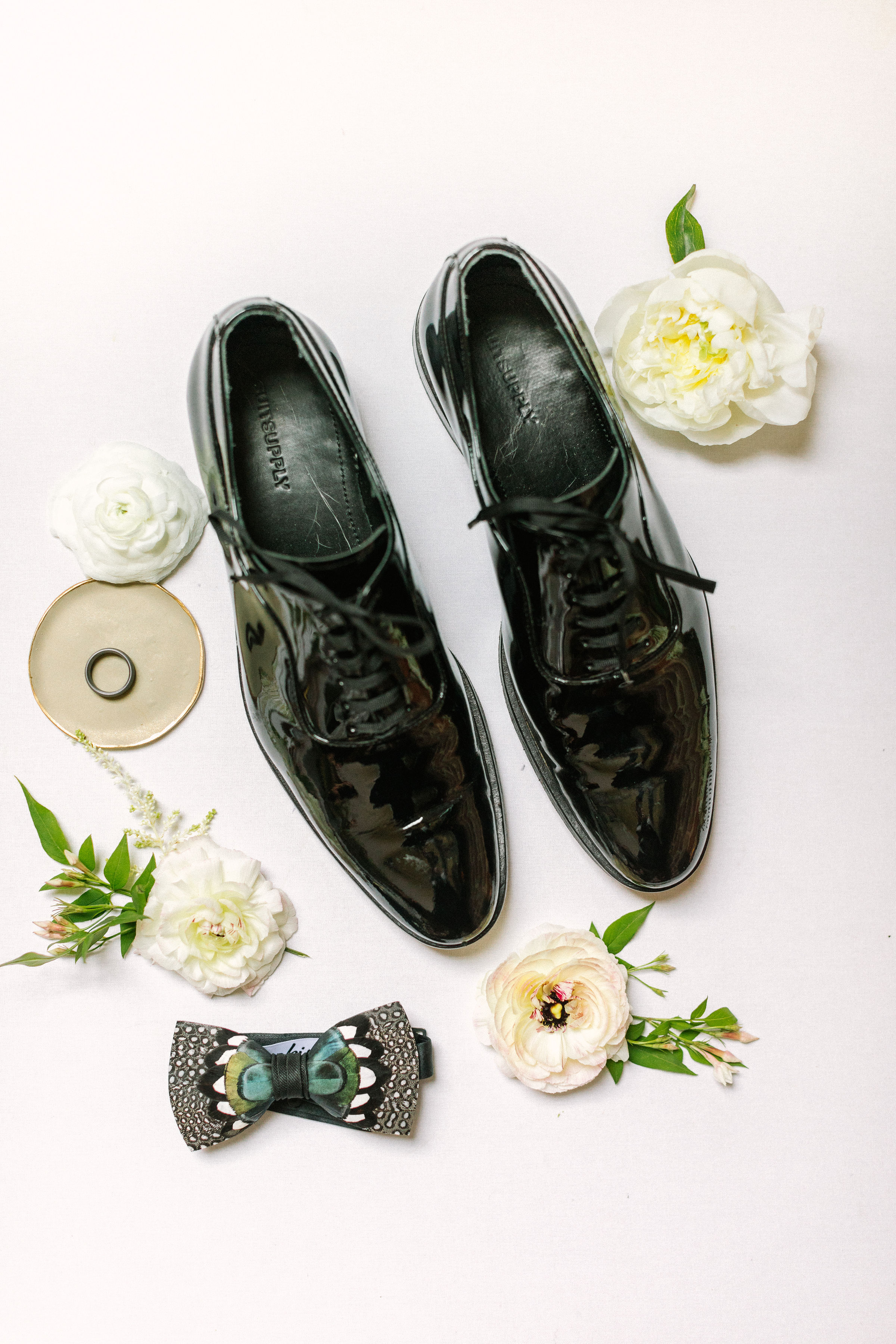 Ellen-Ashton-Photography-Dallas-Wedding-Photographers-Ivory-and-vine-Weddings-35.jpg