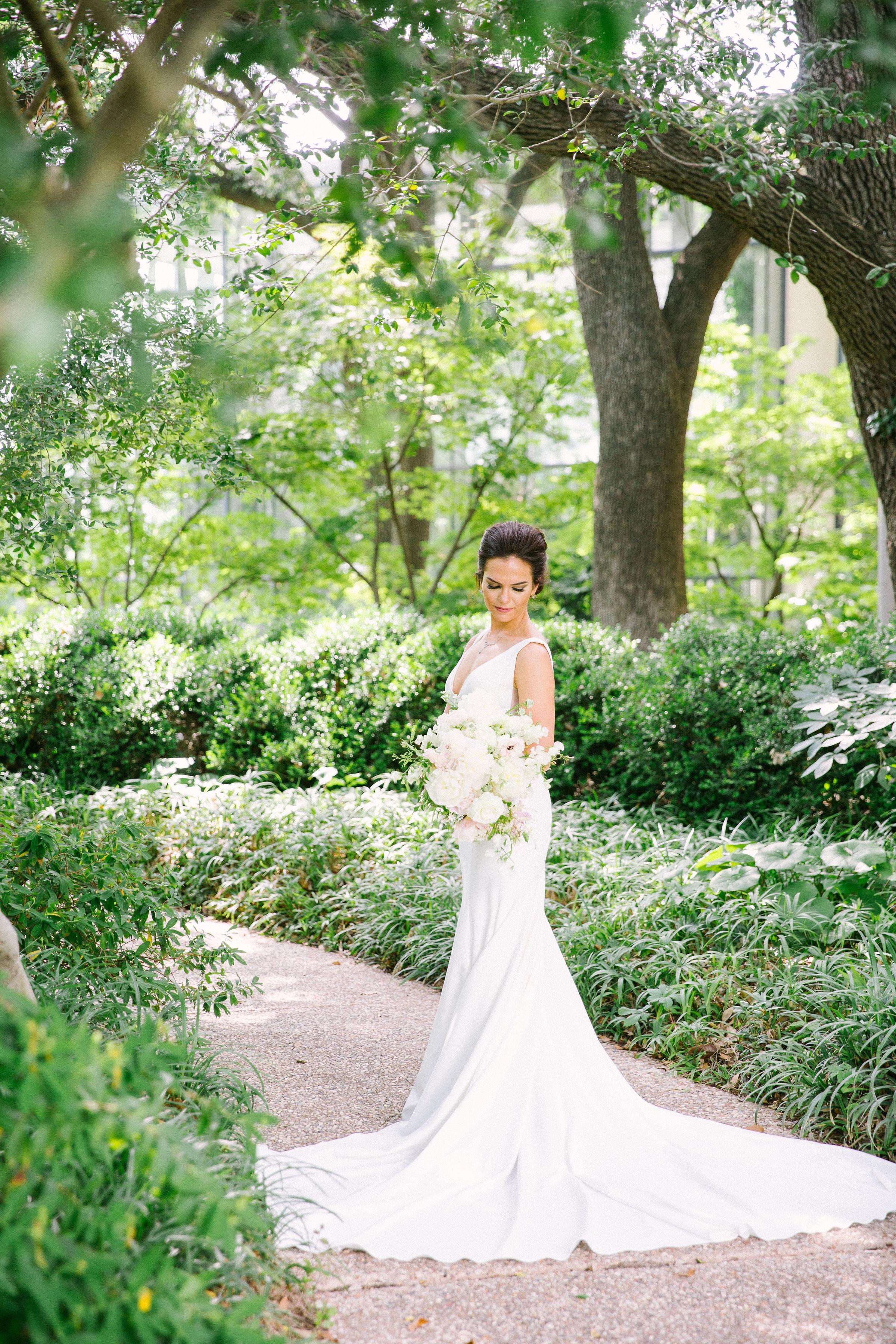 Ellen-Ashton-Photography-Dallas-Wedding-Photographers-Ivory-and-vine-Weddings-779.jpg