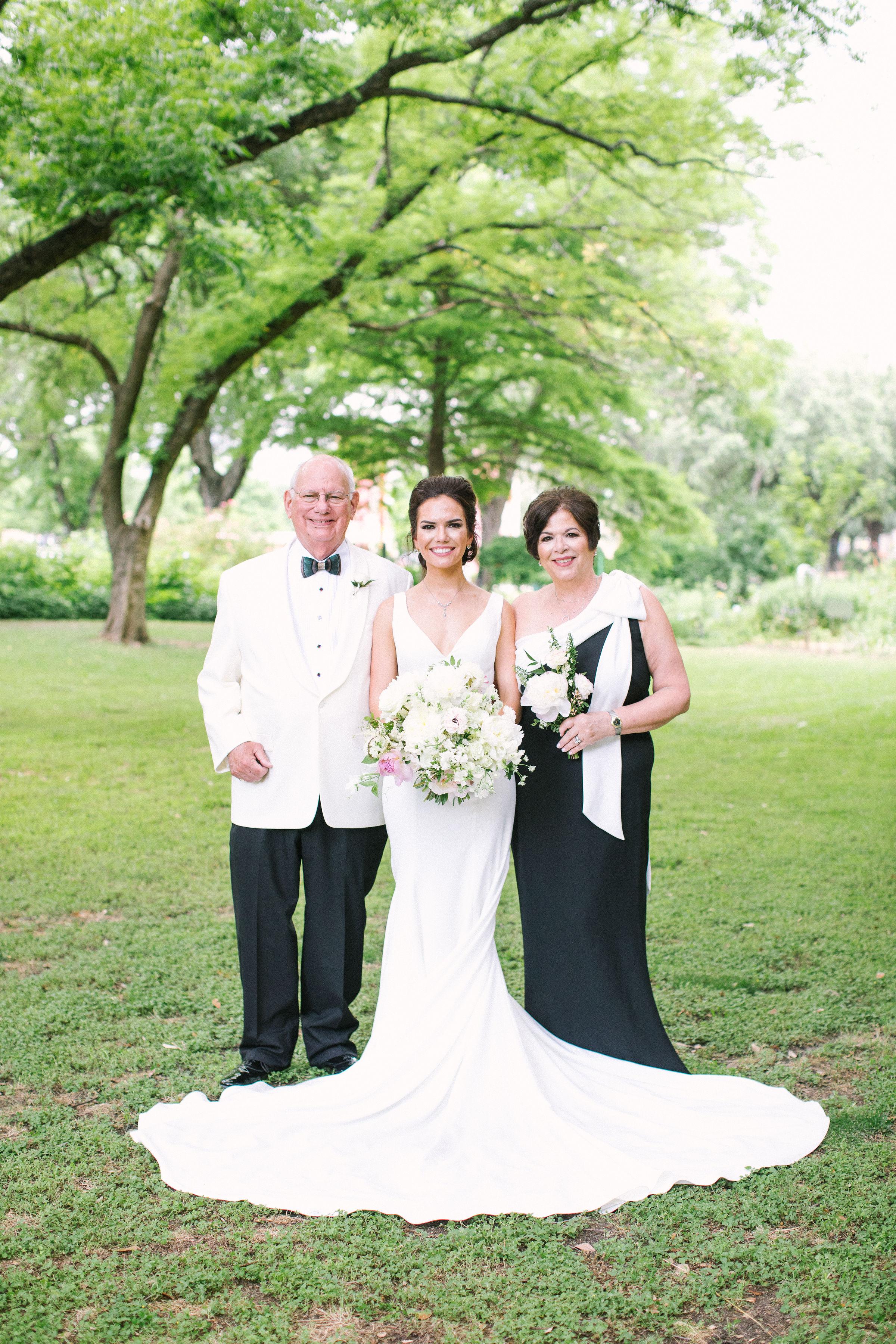 Erin-Parents-Ivory-and-Vine.jpg