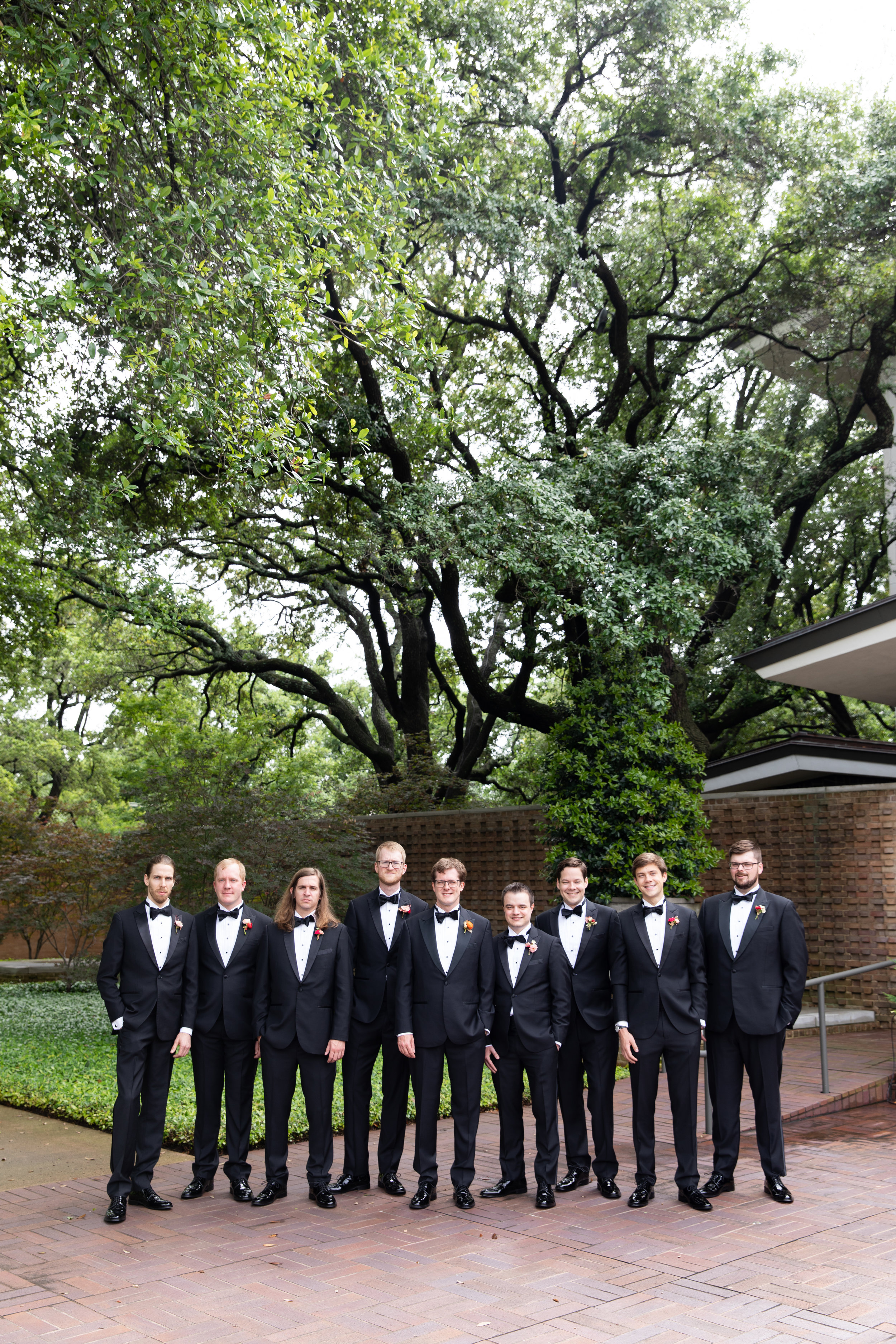 Nick-and-His-Guys-The-Dallas-Arboretum-Ivory-and-Vine.jpg