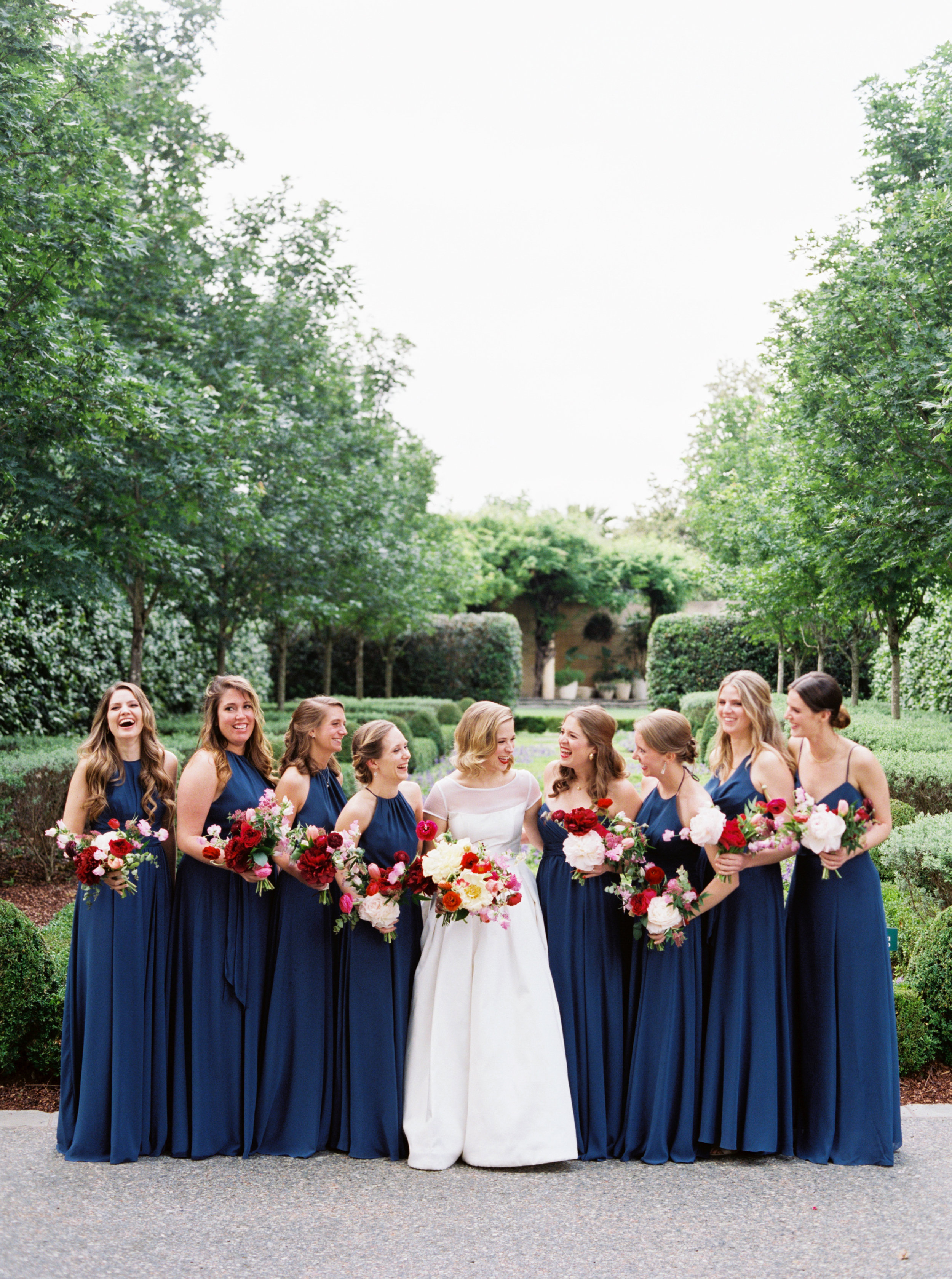 Ana-and-her-girls-The-Dallas-Arboretum-Ivory-and-Vine.jpg