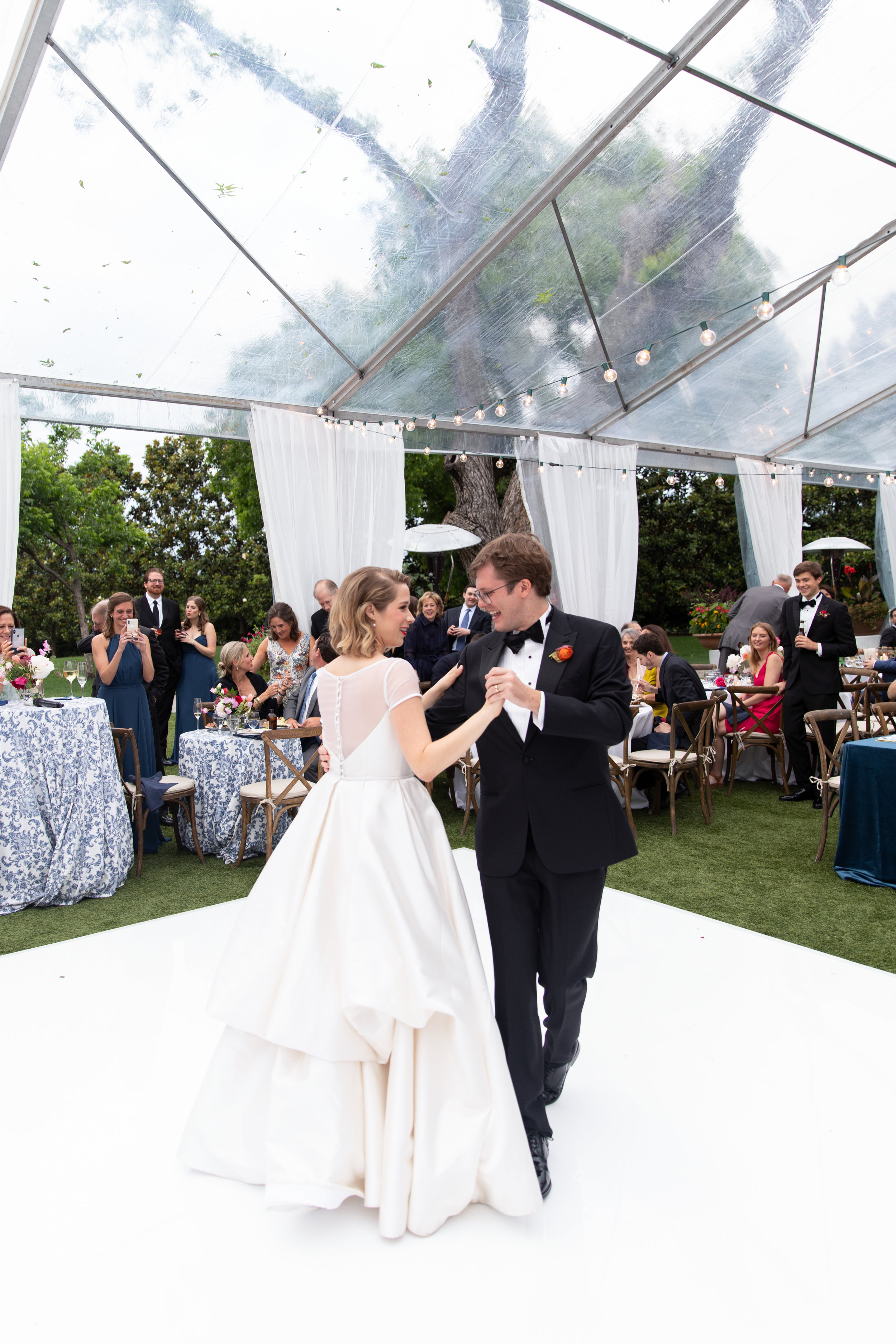Ana-and-Nick-First-Dance-The-Dallas-Arboretum-Ivory-and-Vine.jpg